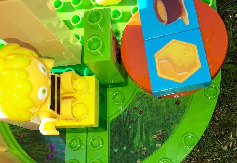 BIG/Bauen & Konstruieren:Biene Maja Schule