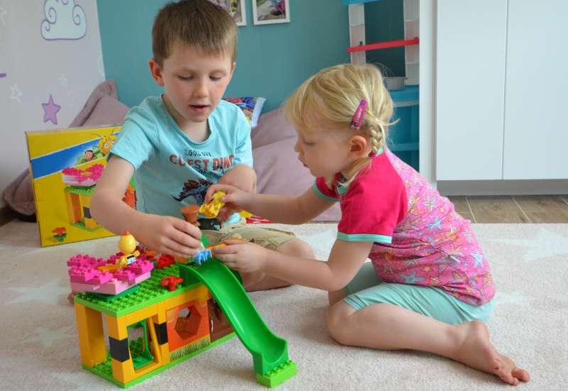 BIG/Bauen & Konstruieren:Biene Maja Kindergarten