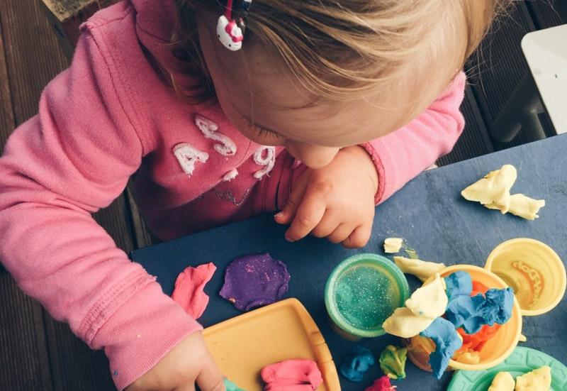 Sonstige/Basteln, Malen & Kreativ:Play-Doh: Knete den Lindwurm