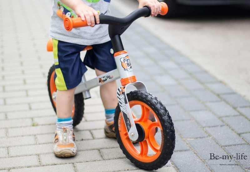 Smoby/Kinderfahrzeuge (z. B. Bobby Car):Erste Fahrversuche