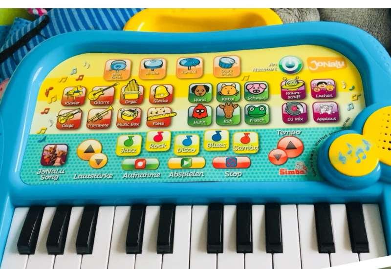 Simba/Instrumente & Musikspielzeug:JoNaLu Keayboard