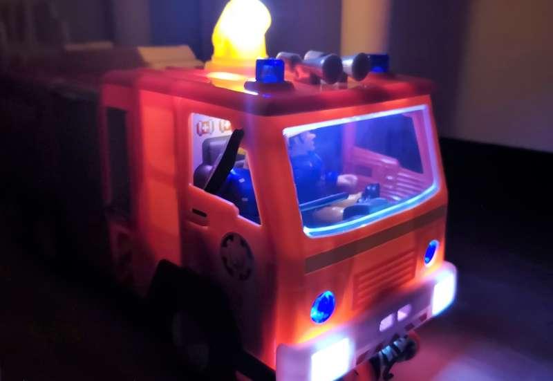 Simba/Autos, Fahrzeuge, Boote & Flieger:Sam Jupiter 2.0 mit 2 Figuren