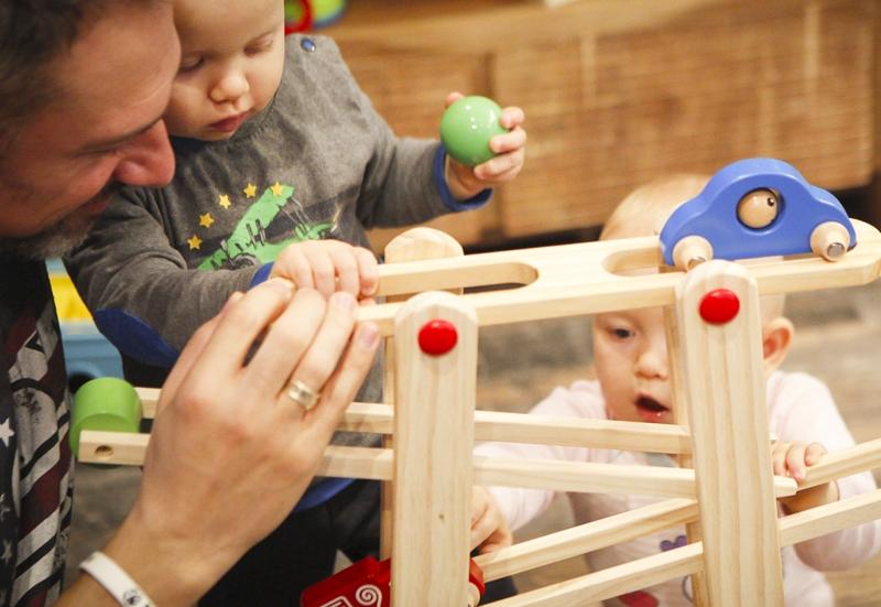 Eichhorn/Baby- & Kleinkindspielzeug:Die Eichhorn Rollbahn