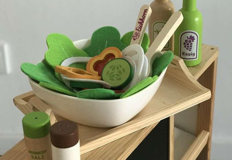 Eichhorn/Kinder Rollenspiele:Knackiger Salat für Mini-Chefs