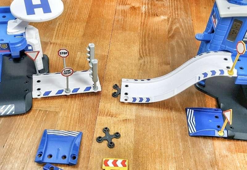 Majorette/Autos, Fahrzeuge, Boote & Flieger:Creatix Polizeistation