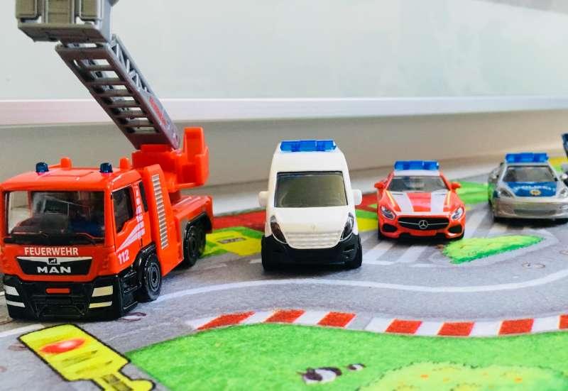 Majorette/Autos, Fahrzeuge, Boote & Flieger:Big S.O.S Theme Set Majorette