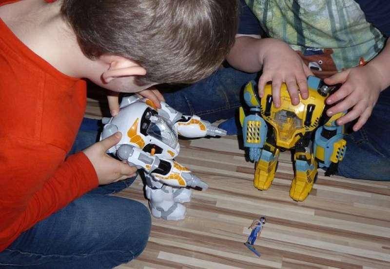 Simba/Spielewelten & Sammelfiguren:Produkttest: Nekbots und Figur