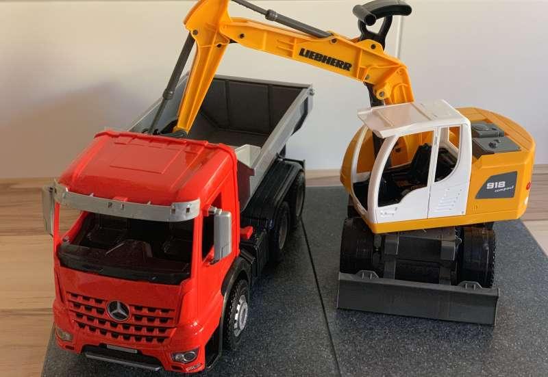 SIMM/Autos, Fahrzeuge, Boote & Flieger:Baufahrzeuge fürs Kinderzimmer