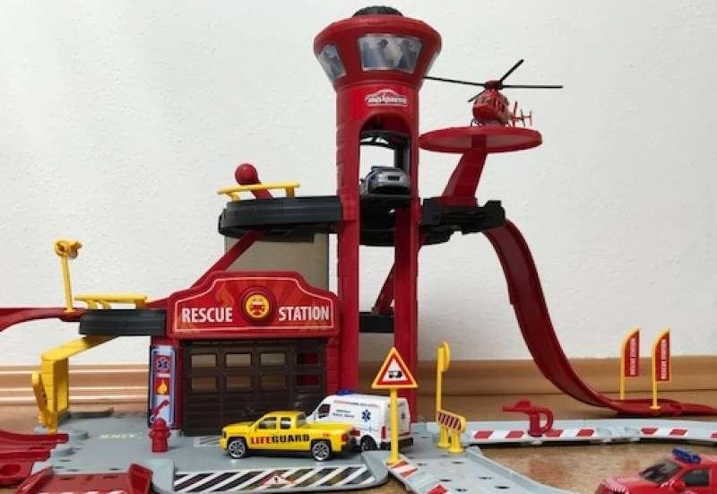 Majorette/Autos, Fahrzeuge, Boote & Flieger:SOS - Die Rettungsstation