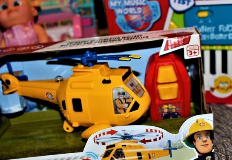 Simba/Kinder Rollenspiele:Wir packen die Toy Boxx aus