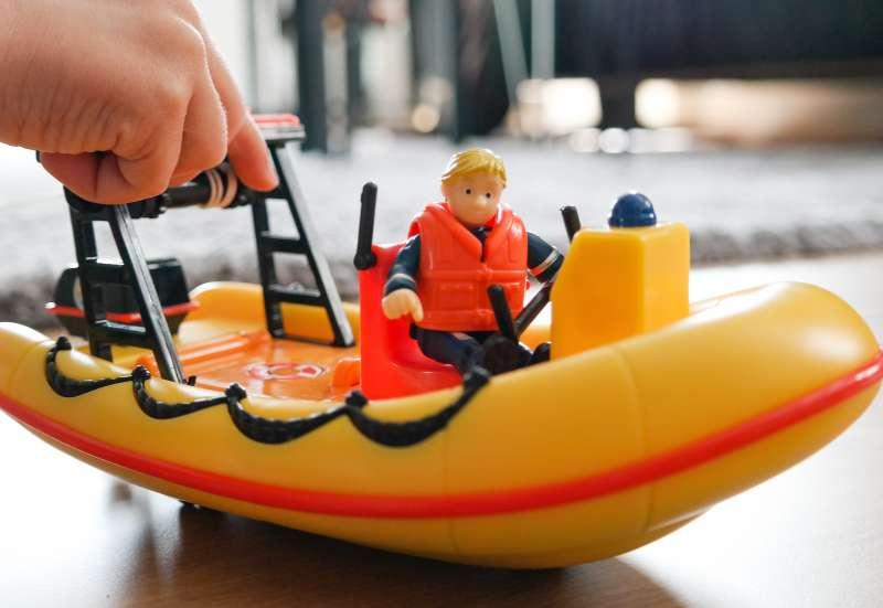 Simba/Autos, Fahrzeuge, Boote & Flieger:Die Toy Boxx mit Sam!