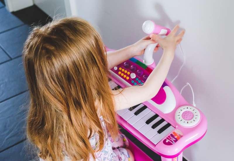 Simba/Instrumente & Musikspielzeug:Keyboard für kleine Popstars