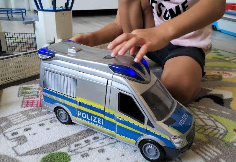 Dickie Toys/Autos, Fahrzeuge, Boote & Flieger:Der Police Van von Dickie Toys