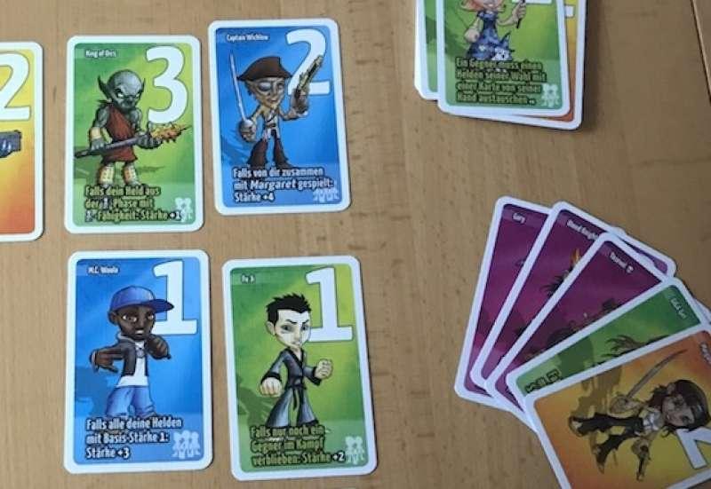 AMIGO/Spiele & Puzzles:Naova