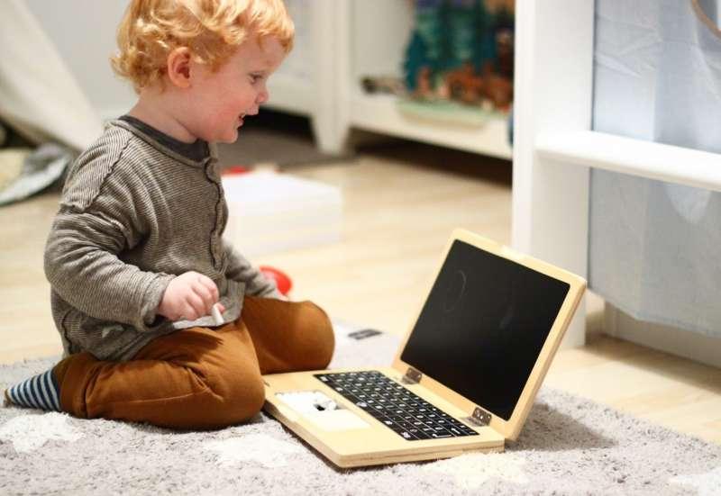Eichhorn/Forschen & Entdecken:Eichhorn Holz-Laptop