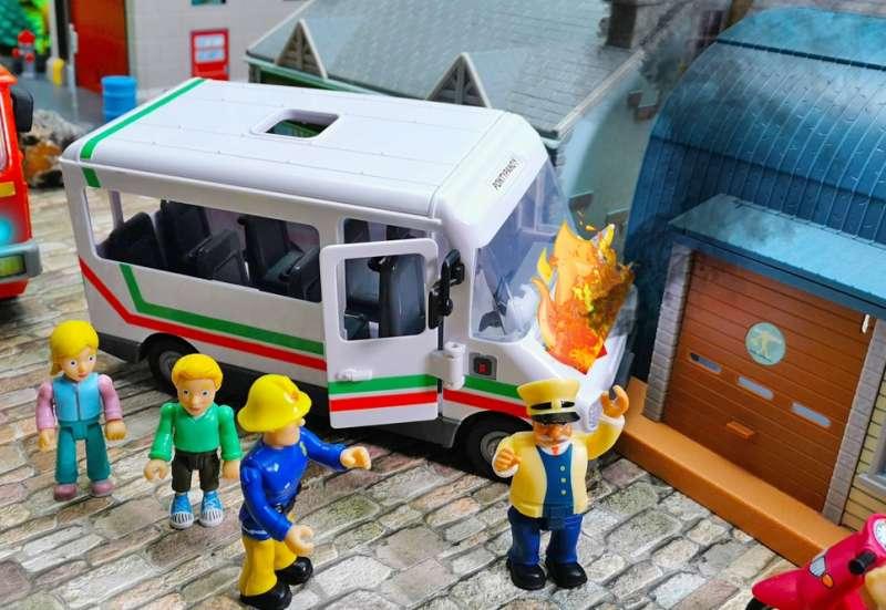 Simba/Autos, Fahrzeuge, Boote & Flieger:Feuerwehrmann Sam Trevors Bus