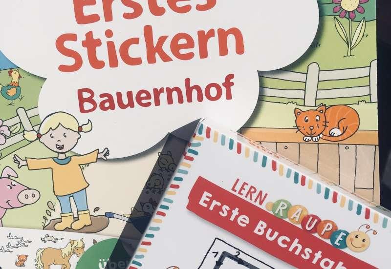 Sonstige/Basteln, Malen & Kreativ:Stickern und Buchstaben lernen