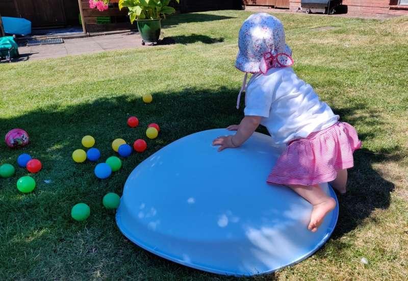 BIG/Baby- & Kleinkindspielzeug:Die BIG COSY Kreiselwippe