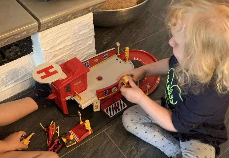 Dickie Toys/Kinder Rollenspiele:Feuerwehrman Sam