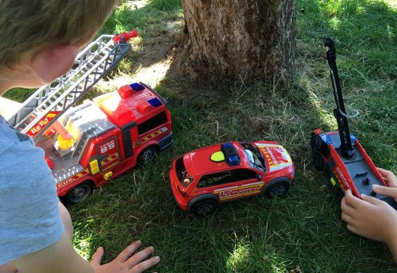 Dickie Toys/Autos, Fahrzeuge, Boote & Flieger:Die Helden des Alltags