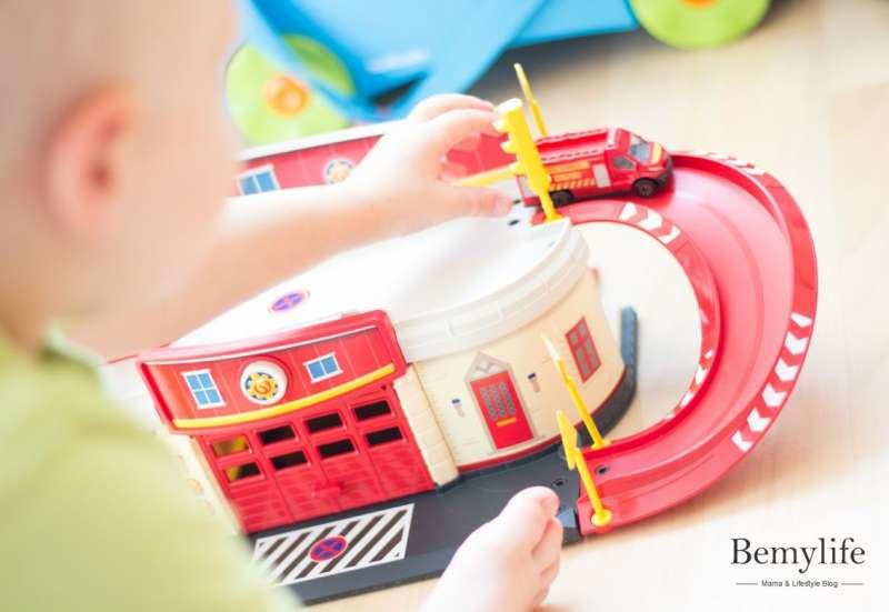 Dickie Toys/Autos, Fahrzeuge, Boote & Flieger:Feuerwehrmann Sam RescueCenter