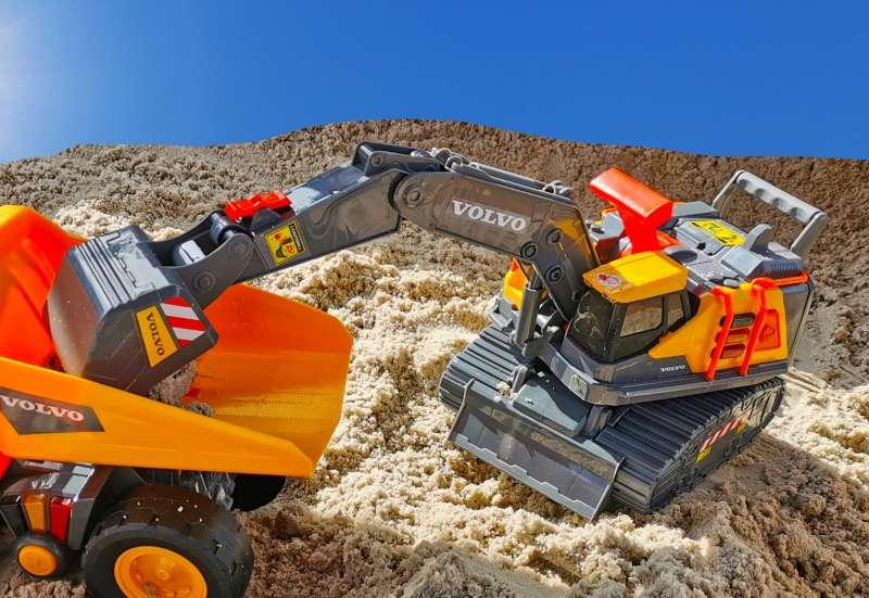 Dickie Toys/Autos, Fahrzeuge, Boote & Flieger:Volvo Bagger + Kipplaster