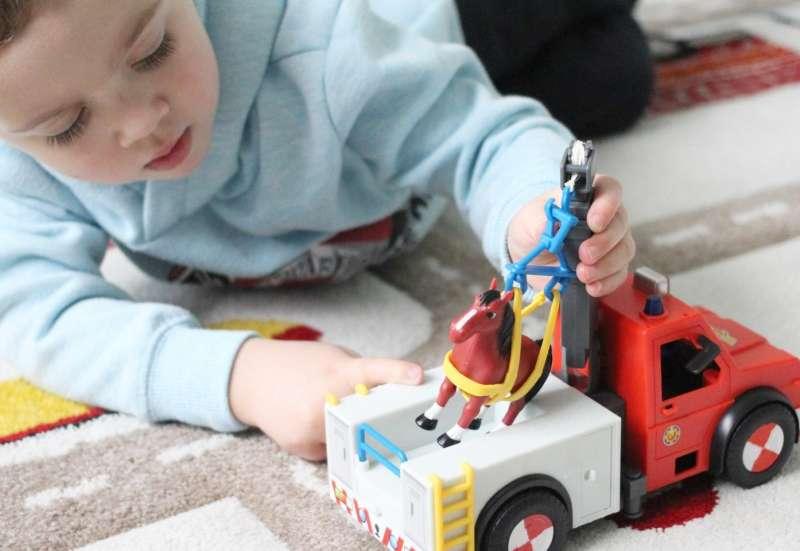 Simba/Autos, Fahrzeuge, Boote & Flieger:Sam Phoenix mit Figur u. Pferd