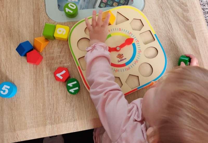 Eichhorn/Spiele & Puzzles:Holz Lernuuhr