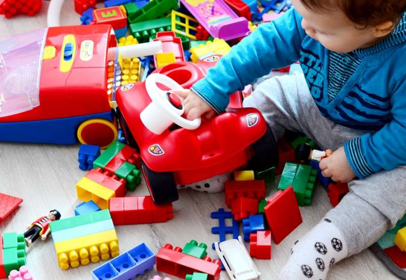 BIG/Baby- & Kleinkindspielzeug:Das praktische Steckbox-Bobby