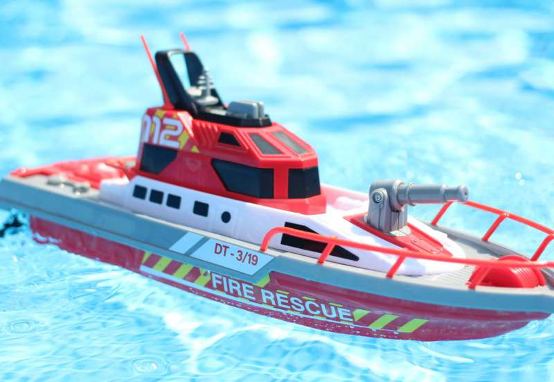 Dickie Toys/Autos, Fahrzeuge, Boote & Flieger:Dickie Toys RC Feuerwehr-Boot