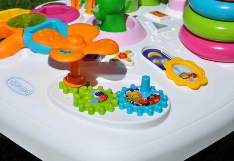 Smoby/Baby- & Kleinkindspielzeug:Smoby Activity Spieltisch