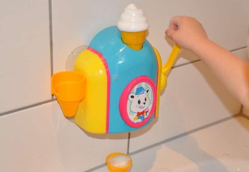 TOMY/Baby- & Kleinkindspielzeug:TOMY Schaumeismaschine