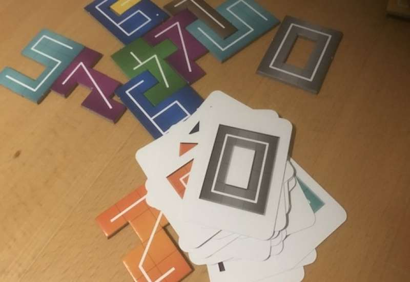 Sonstige/Spiele & Puzzles:NMBR9