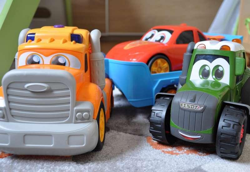 Dickie Toys/Autos, Fahrzeuge, Boote & Flieger:Coole Autos - Die Happy Cars