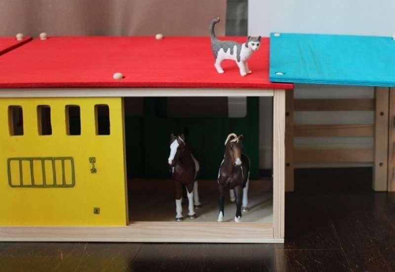 Eichhorn/Kinder Rollenspiele:Der Pferdestall von Eichhorn