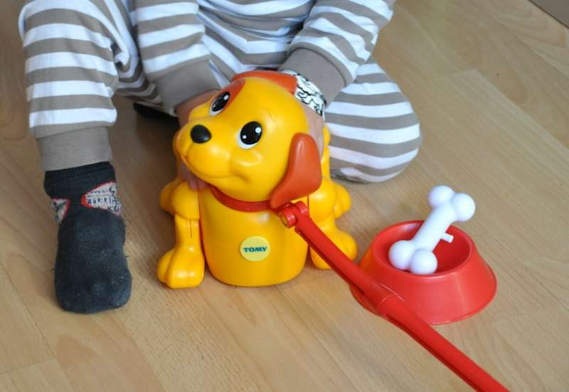 TOMY/Baby- & Kleinkindspielzeug:Unser neuer Freund Puppy
