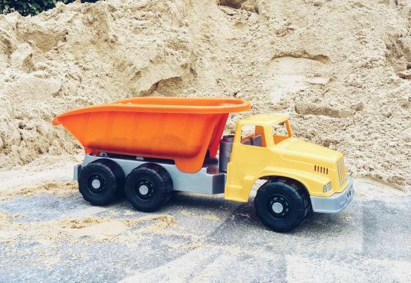 Simba/Autos, Fahrzeuge, Boote & Flieger:Ein großer LKW Kipper