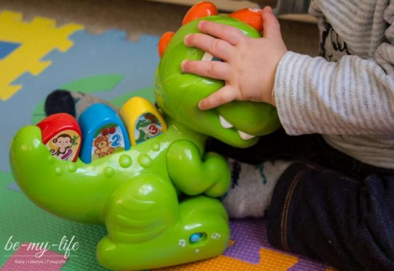 CLEMENTONI/Baby- & Kleinkindspielzeug:Celementoni Baby T-Rex