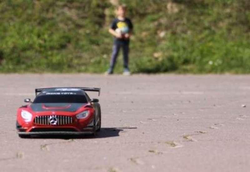 Der erste Mercedes.