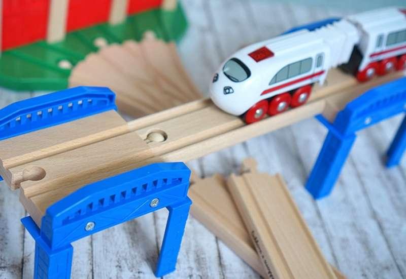 Eichhorn/Bauen & Konstruieren:Holzeisenbahn von Eichhorn