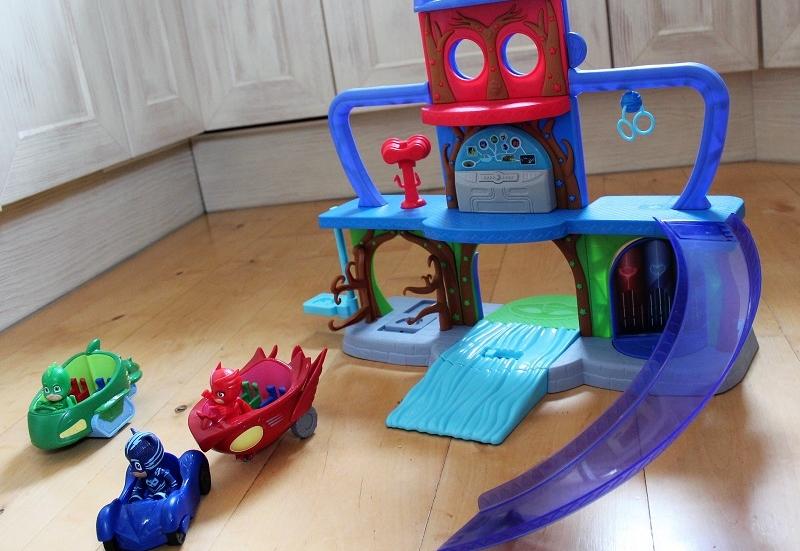Ein Spielplatz für PJ Masks