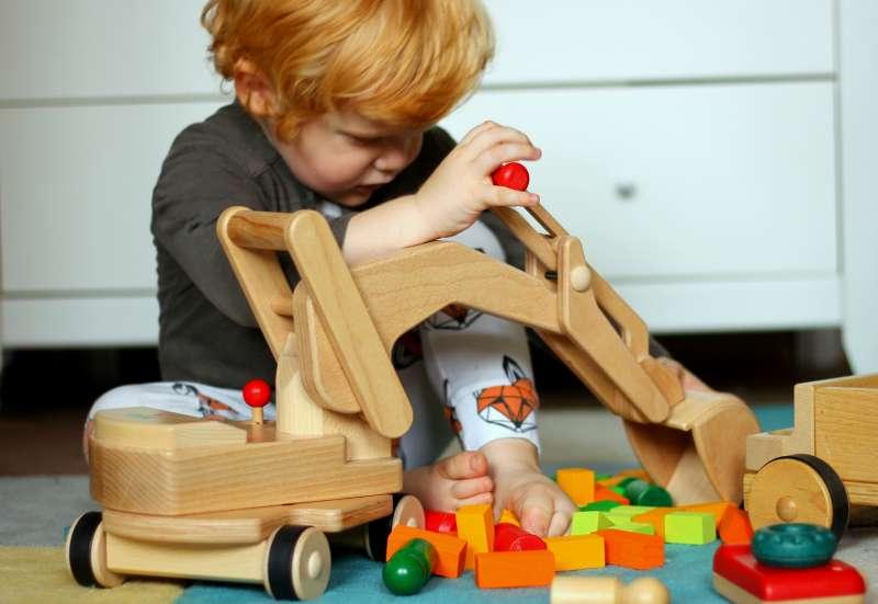 Sonstige/Autos, Fahrzeuge, Boote & Flieger:Spielzeug für Generationen