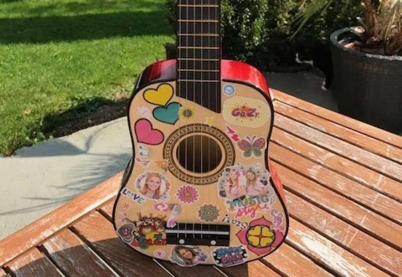 Simba/Instrumente & Musikspielzeug:Maggie's Guitar von Simba