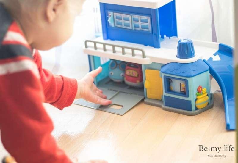Rollenspiele mit Dickie Toys