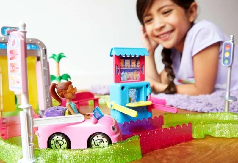 MATTEL/Puppen & Puppenzubehör:Barbie On The GO