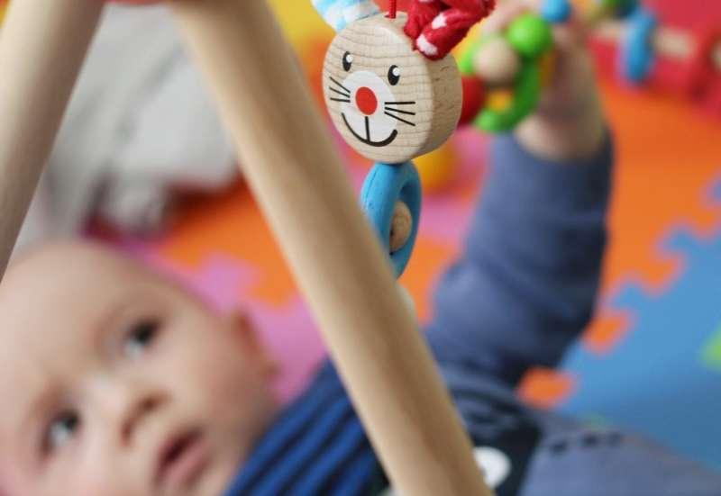 Eichhorn/Baby- & Kleinkindspielzeug:Das Baby allein spielen lassen