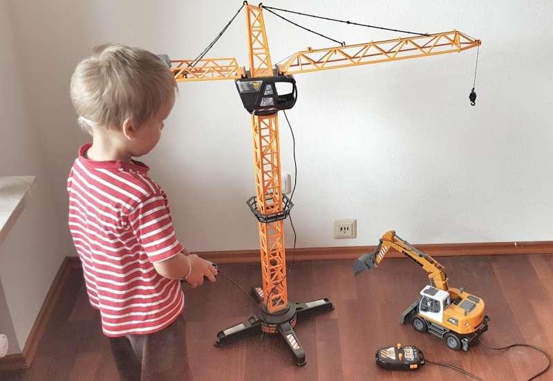 Dickie Toys/Autos, Fahrzeuge, Boote & Flieger:Baggern was der Kran hält
