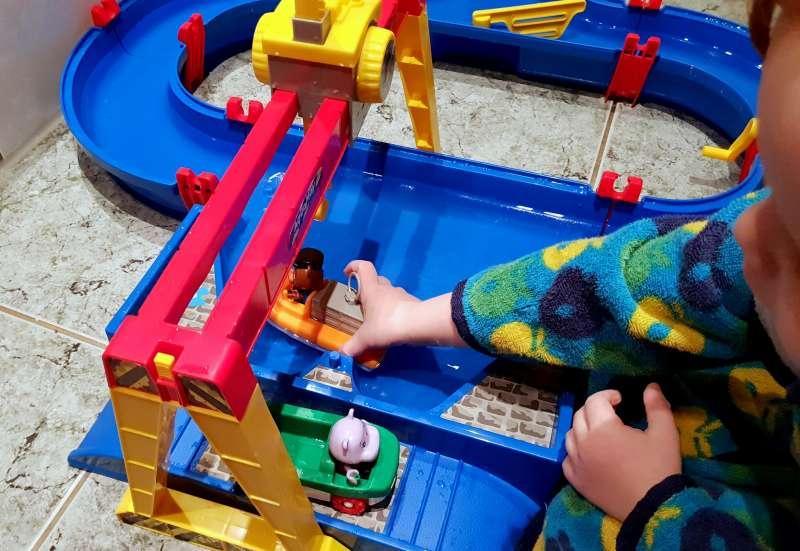 AuqaPlay/Autos, Fahrzeuge, Boote & Flieger:AQUAPLAY Container  Port